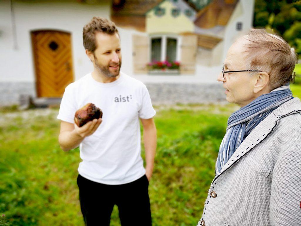 Timo Nau und Herr Rapold im Gespräch über Schindel